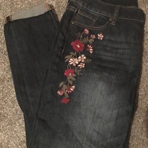 New York & Company floral embroidered jeans